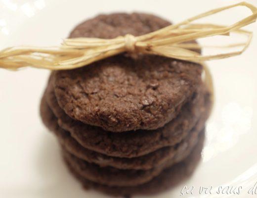 biscotti-al-cioccolato-e-fior-di-sale-di-pierre-hermc3a9.jpg