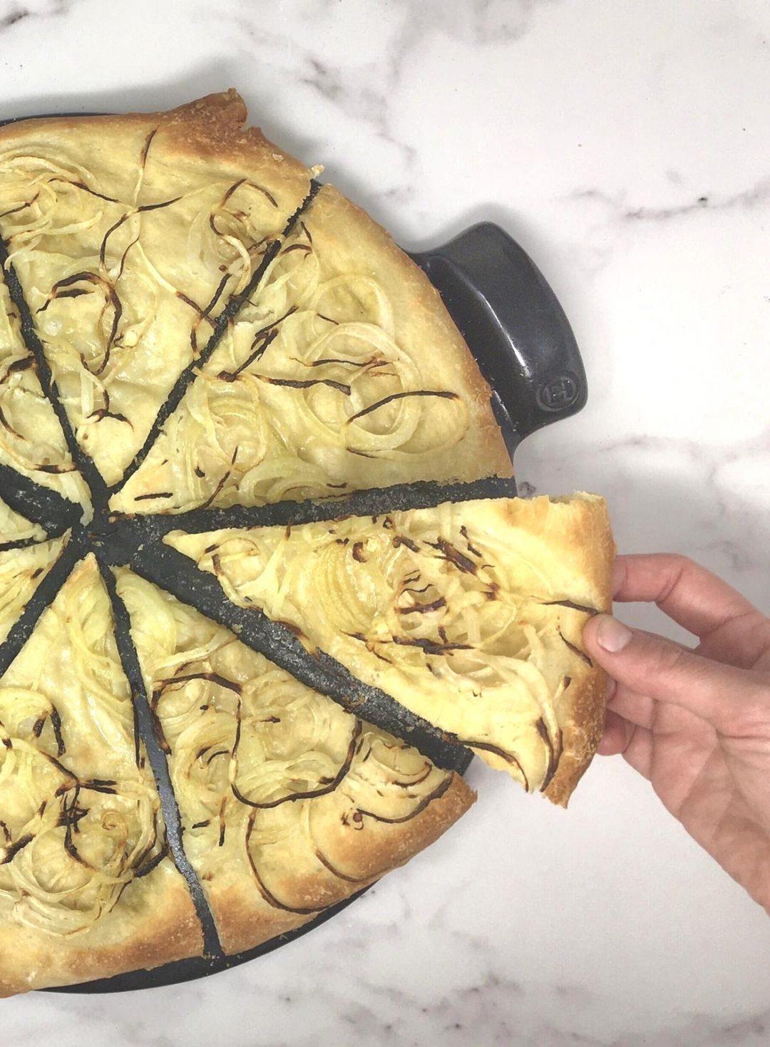 Pizza bianca alle cipolle | Ça va sans dire | cavasansdire.com